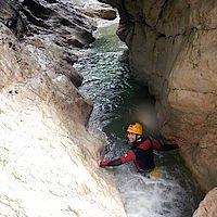 Schwimmpassage beim Canyoning