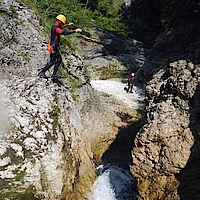 schmal wirkende Sprungstelle im Taglesbach